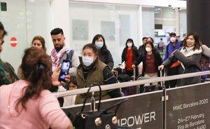 El març va començar amb una caiguda del 14% de passatgers a la xarxa d'Aena