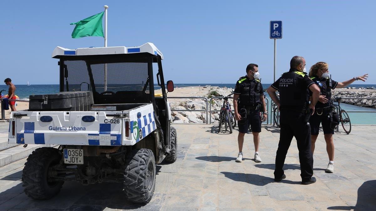 Petició de tancament de la unitat de platges de la Guàrdia Urbana de Barcelona després de tres positius