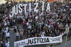"""Milers de persones demanen a Pamplona """"justícia"""" en el 'cas Altsasu'"""