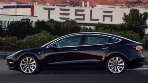 El Tesla Model 3 que se ha autoregalado Elon Munsk.