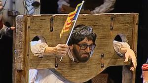 Una chirigota decapita a Puigdemont