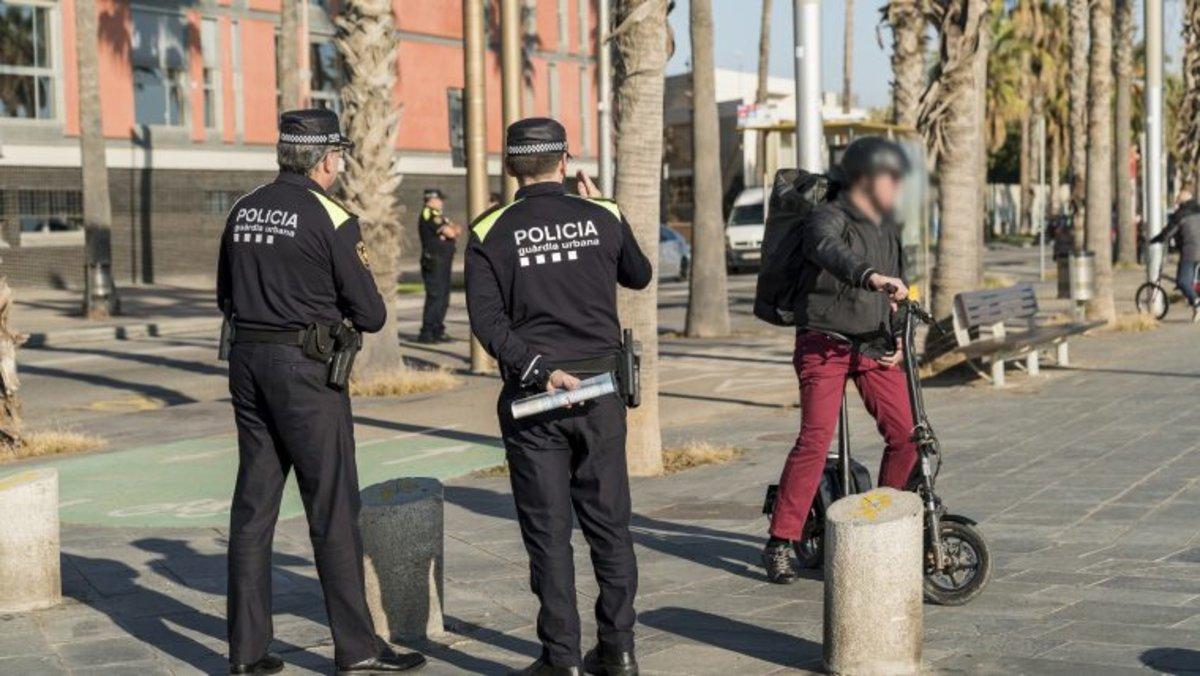Durante el mes de agosto se ha reforzado la vigilancia y el control de los patinetes en Barcelona.
