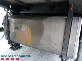 Denunciat un camioner a Barcelona per conduir 19 hores seguides i robar gasoil
