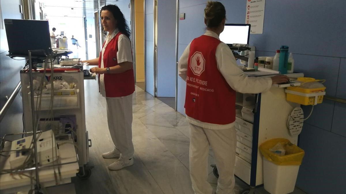 Chalecos Stop para enfermeras.