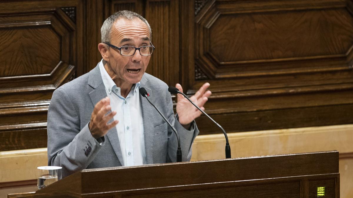 Govern   Projecte de Llei de Partits Polítics Ciutadans-psc-aplauden-pie-coscubiela-con-gritos-democracia-1504860082602