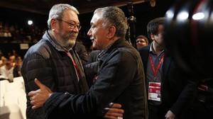 Josep Maria Alvarez con Cándido Méndez tras ser elegido secretario general de UGT.