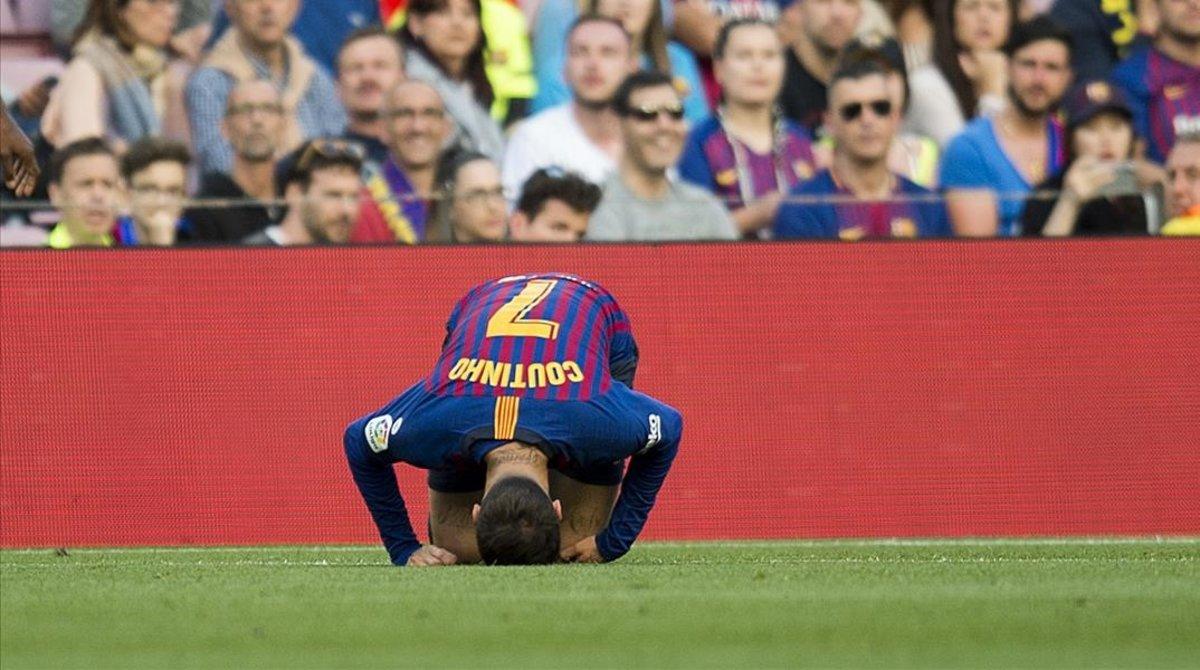 Coutinho doliéndose de un golpe durante el partido ante el Getafe.