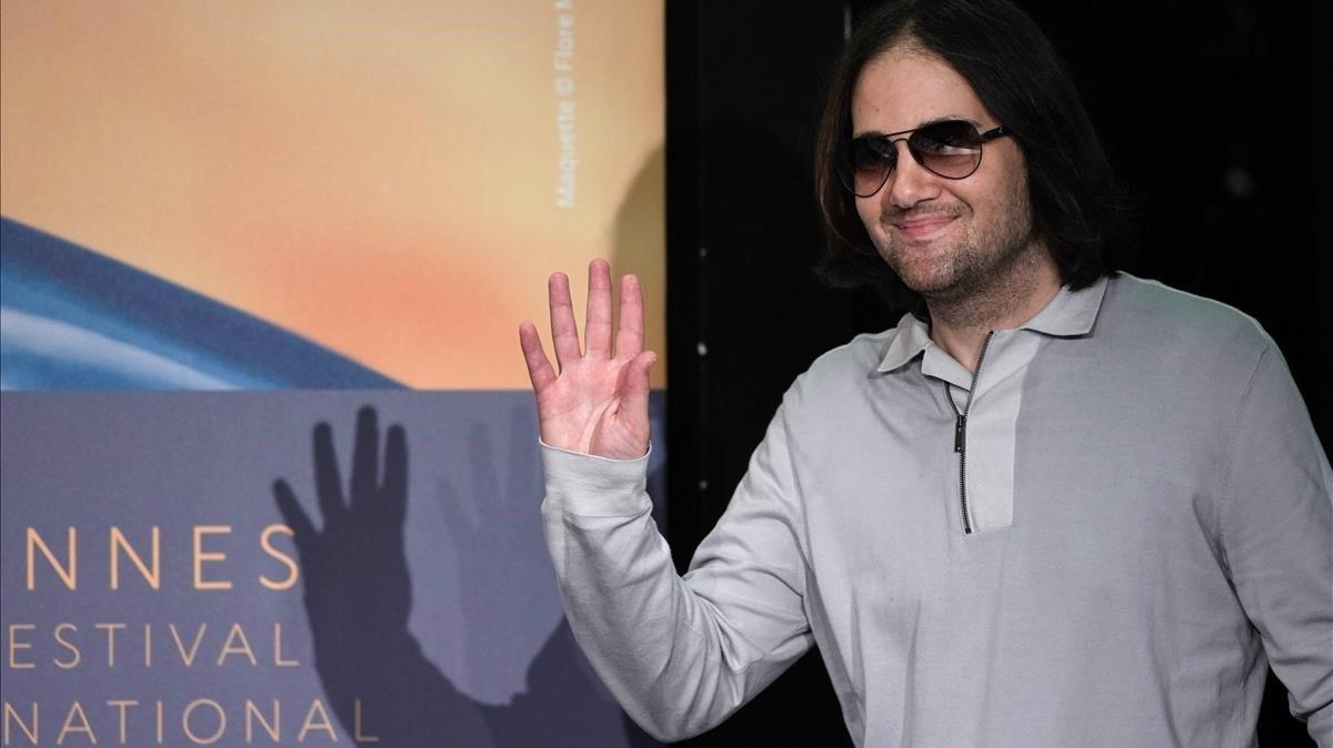 David Robert Mitchell, en el estreno de 'Lo que esconde Silver Lake' en Cannes