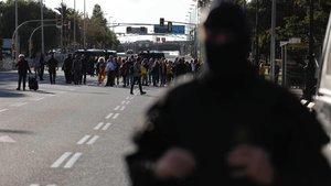 La avenida Diagonal, cortada por los Mossos por la visita del Rey