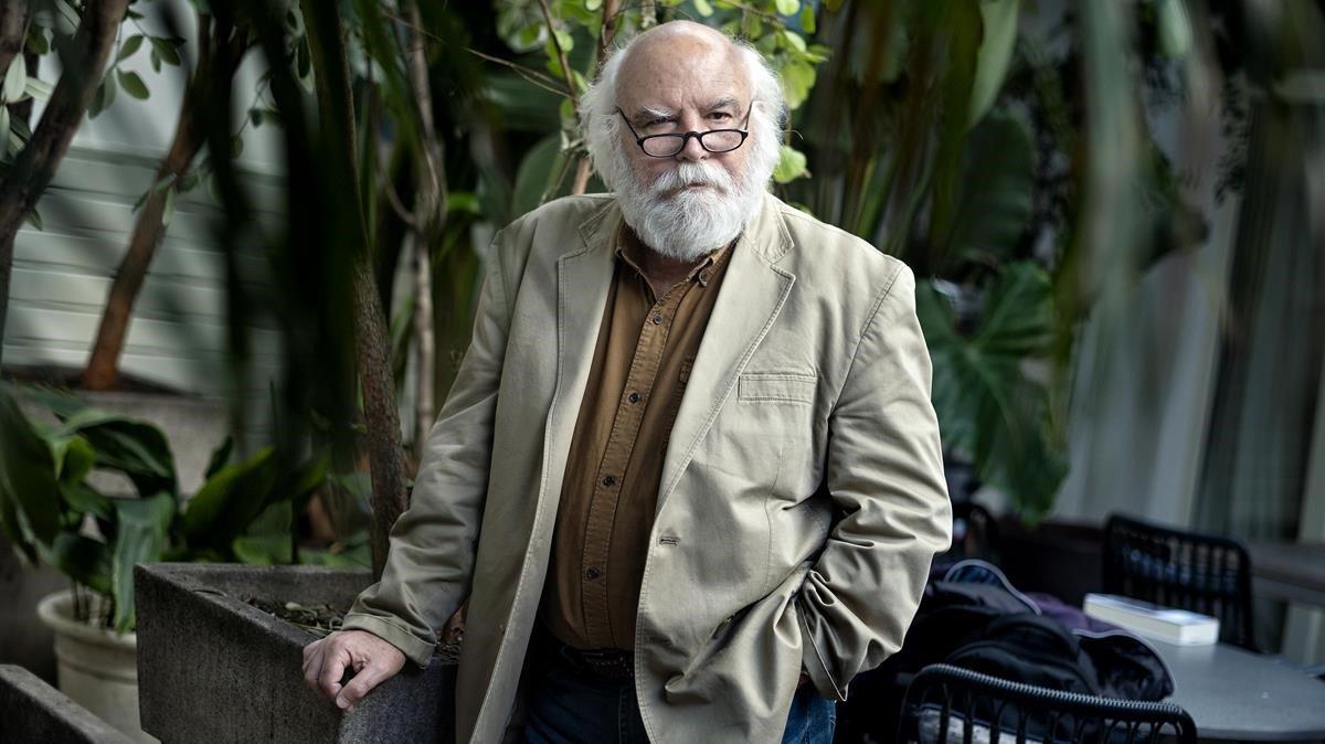 El escritor argentino Juan Sasturain, en su visita a BCNegra.