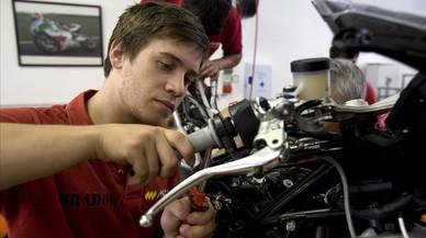 La escuela Monlau Repsol sitúa un centenar de mecánicos en la élite de motorsport