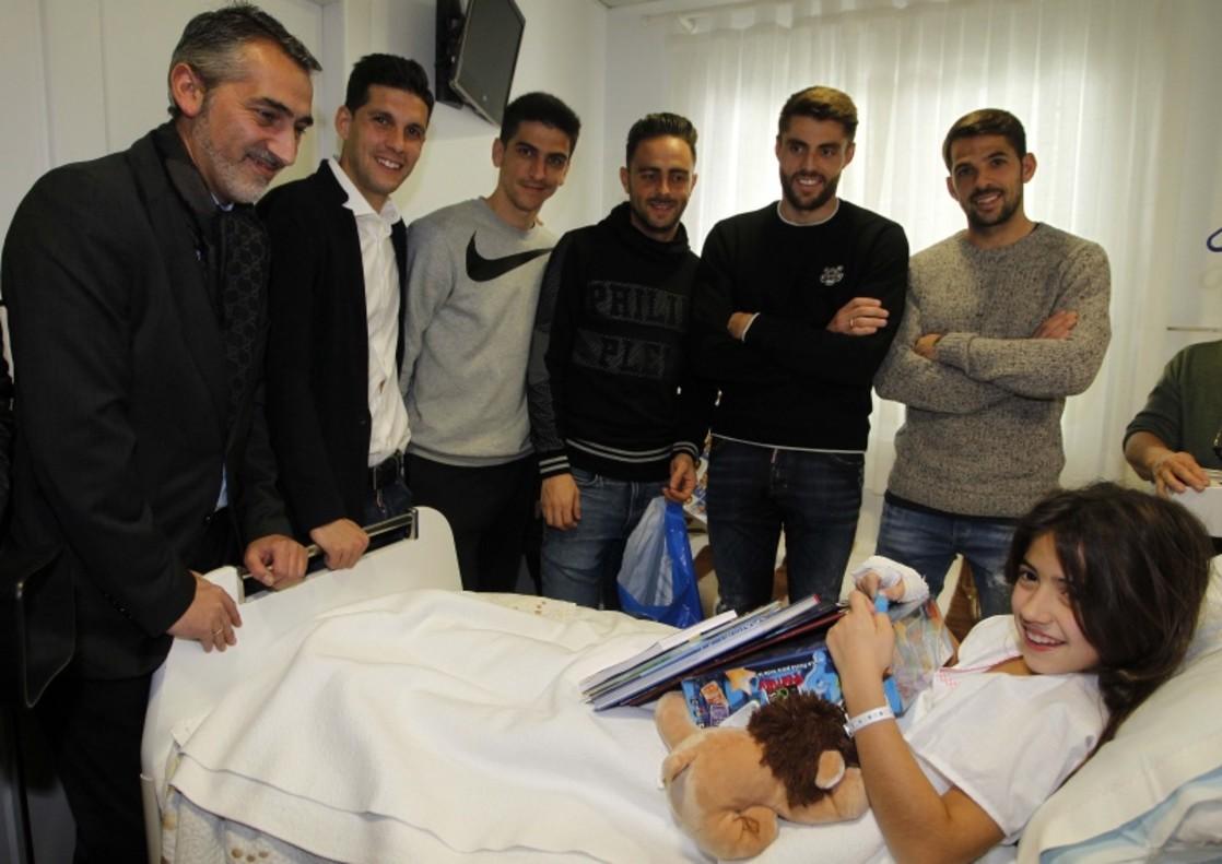 L'Espanyol reparteix il·lusions a l'Hospital de Nens