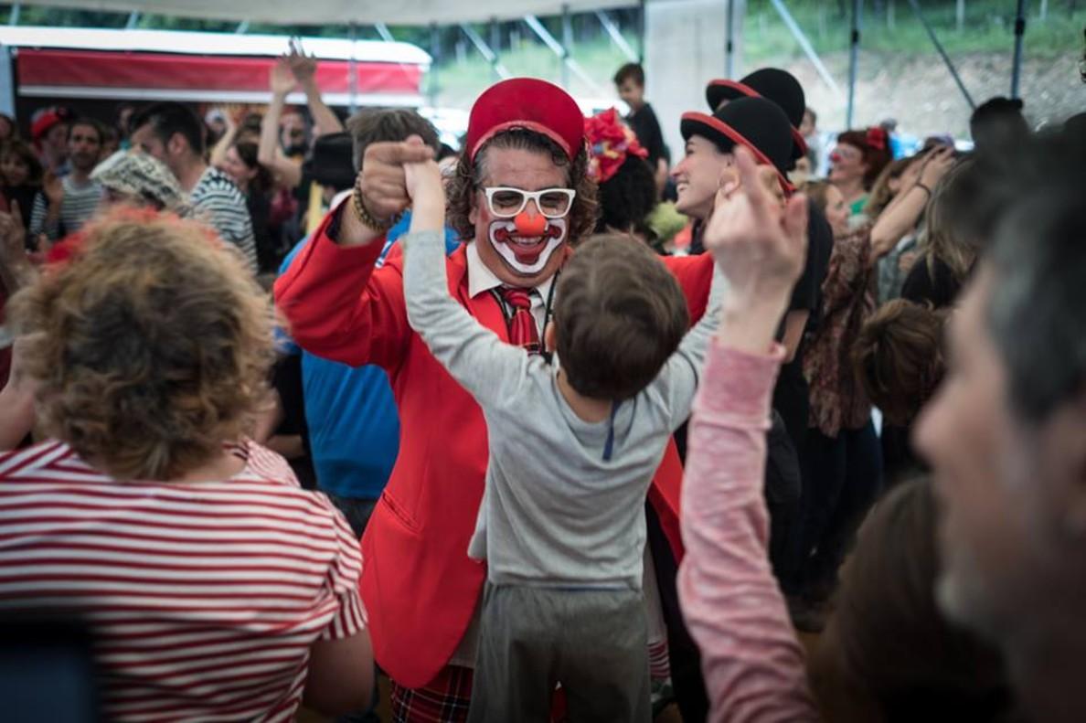 Foto de Payasos Sin Fronteras en la celebración de su 25 aniversario