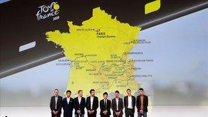 Froome, Bernal, Kruijswik, Pinot, Ewan, Alaphilippe, Barhuil y Bardet en la presentación del Tour-2020.