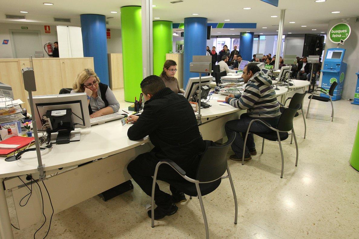 Según los últimos datos hay más de 2.553.000 empleados públicos, el 57% son funcionarios.