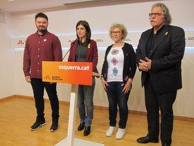 Gabriel Rufián, Marta Vilalta, Mirella Cortés y Joan Tardà, en la comparecencia en la que han anunciado su enmienda a la totalidad a los Presupuestos de Pedro Sánchez.