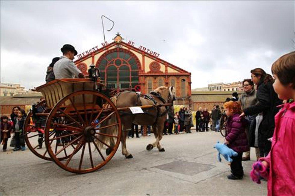 La cabalgata de los Tres Tombs es uno de los actos más populares.