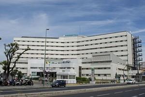Un hombre viola a una mujer en la sala de espera de un hospital de Sevilla