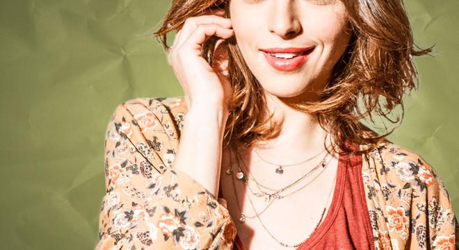 Isabel Burr es Claudia en la serie 'Yo quisiera'.
