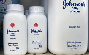 Johnson & Johnson s'enfonsa en borsa després de conèixer-se que sabia de la presència de fibres cancerígenes en el seu talc