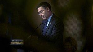 Josep María Bartomeu trata de defenderse de la última chapuza de su junta
