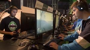Jugadores en la Barcelona Games Worlden Fira de Barcelona.