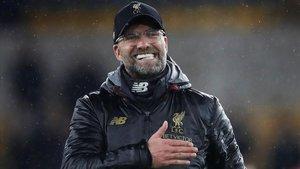 Jürgen Klopp festeja el triunfo del Liverpool en campo del Wolverhampton.
