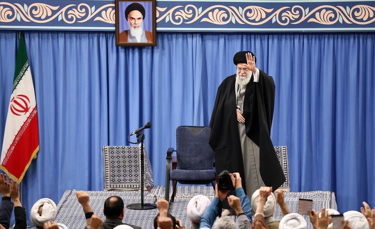 Ellíder supremo iraní, el ayatolá Alí Khamenei,durante un discurso en Teherán.