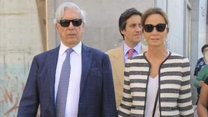 Mario Vargas Llosa e Isabel, el pasado abril.