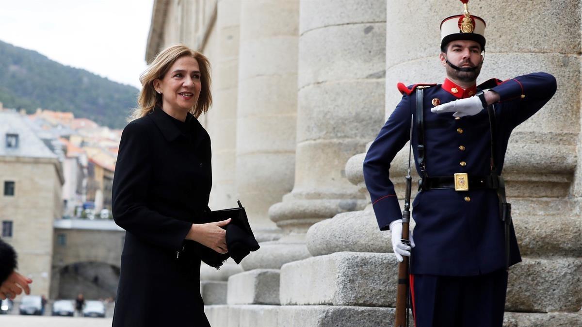 La infanta Cristina a su llegada al monasterio de San Lorenzo del Escorial.