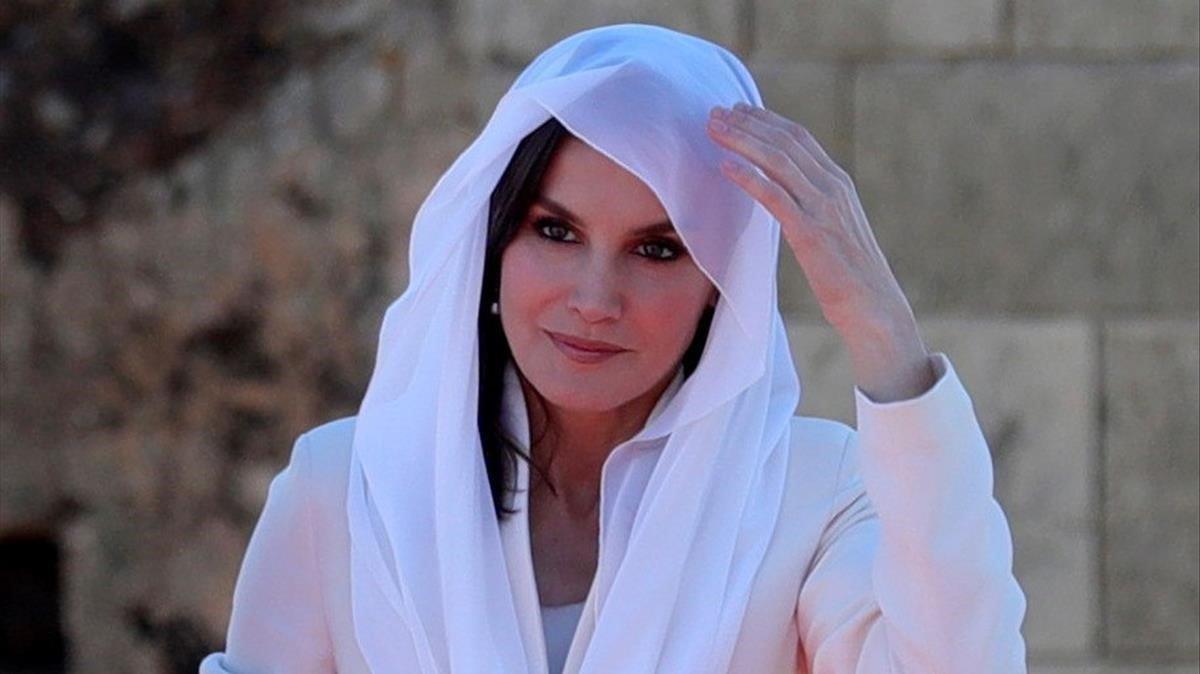 Letícia es posa al Marroc el seu Armani de petició de mà