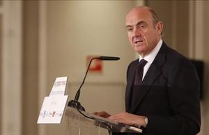 El ministro de Economía en funciones, Luis de Guindos, en una imagen de archivo.
