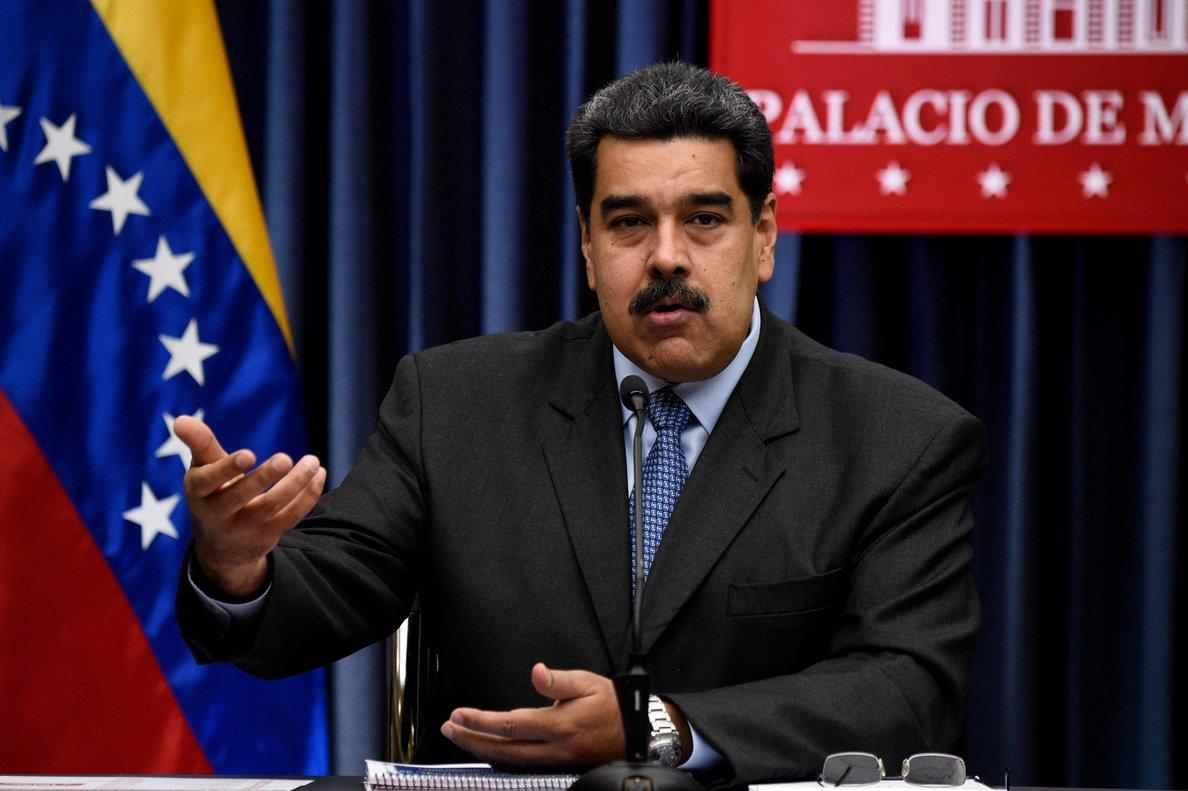 La legitimidad de Maduro en la presidencia está cuestionada por la Unión Europea, la Organización de Estados Americanos, Estados Unidos y varios países latinoamericanos.