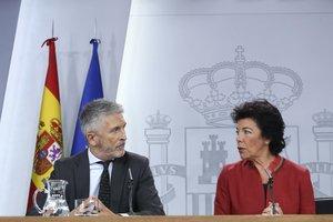 Directe | Reacció del Govern central als disturbis de Catalunya: Sánchez, Marlaska i Celaá donen explicacions
