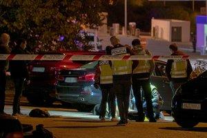 GRAF2879. MARBELLA (MÁLAGA), 04/12/2019.- Un hombre de entre 45 y 50 años ha muerto este martes en Marbella a causa de heridas causadas por impactos de bala. Los hechos tuvieron lugar a última hora de la tarde en un aparcamiento de la zona de Cabopino, donde dos individuos, que posteriormente huyeron en un vehículo, dispararon contra la víctima. EFE/APZ