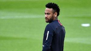 Neymar, en un entrenamiento reciente con el Paris SG.