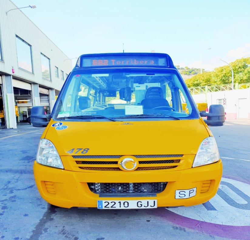 Nuevo bus de la línea B82 que une la plaza de la Vila con el Recinto Torribera.