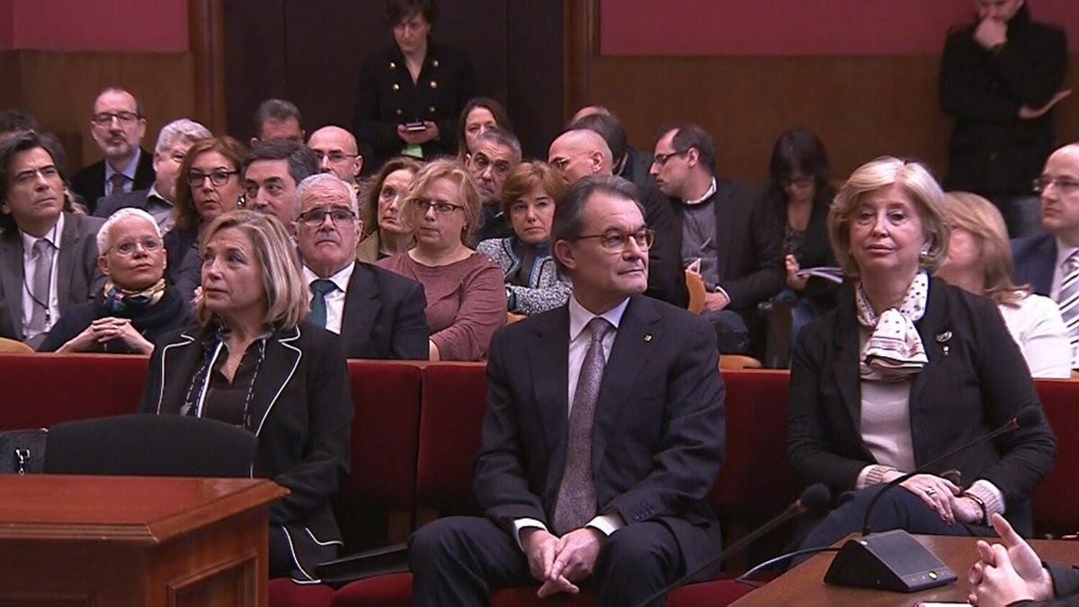 Ortega, Mas y Rigau, en el banquillo de los acusados.