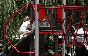 La Generalitat recomana no anar als parcs infantils si hi ha molts nens