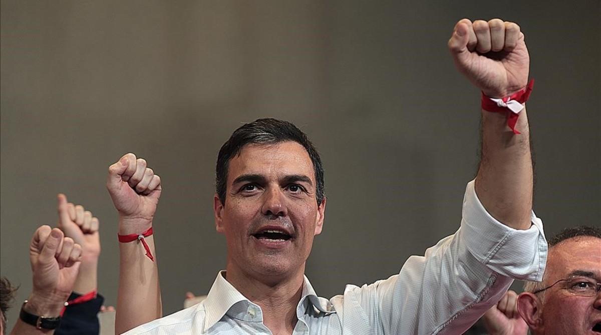 Pedro Sánchez, durante un acto con militantes en Granada, el pasado sábado.