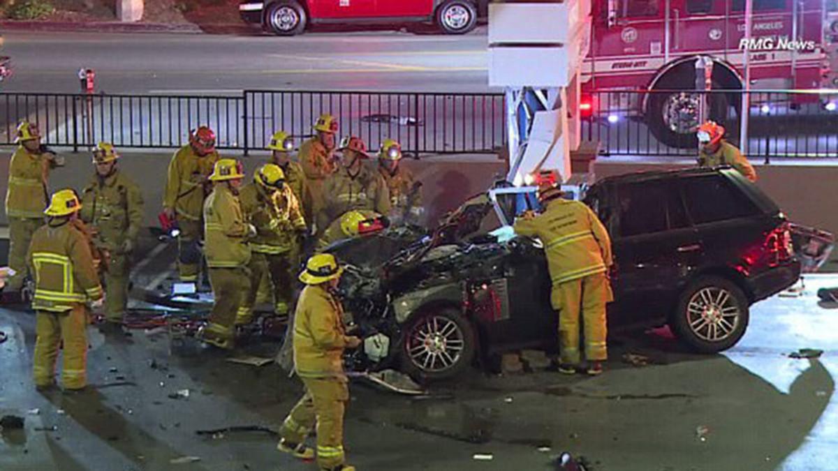 La policía de Los Ángeles junto al coche de Butler