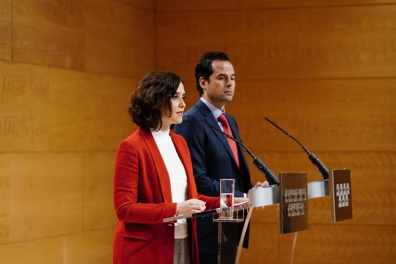 La presidenta de Madrid Díaz Ayuso junto al vicepresidente de Madrid, Aguado.