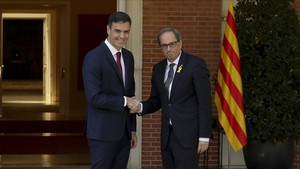 El presidente del Gobierno, Pedro Sánchez, y el jefe del Govern, Quim Torra, en la Moncloa, el pasado 9 de julio.