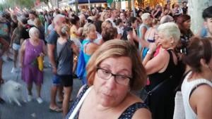 Protesta vecinal en la Barceloneta, la tarde del pasado jueves.