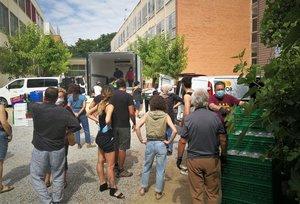 La Xarxa Solidària de Badalona reparteix 40.000 plats de menjar i 9.200 mascaretes des del confinament