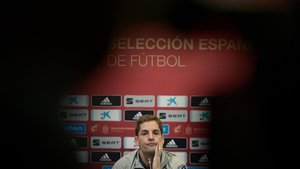 Robert Moreno, en una rueda de prensa de la selección española.