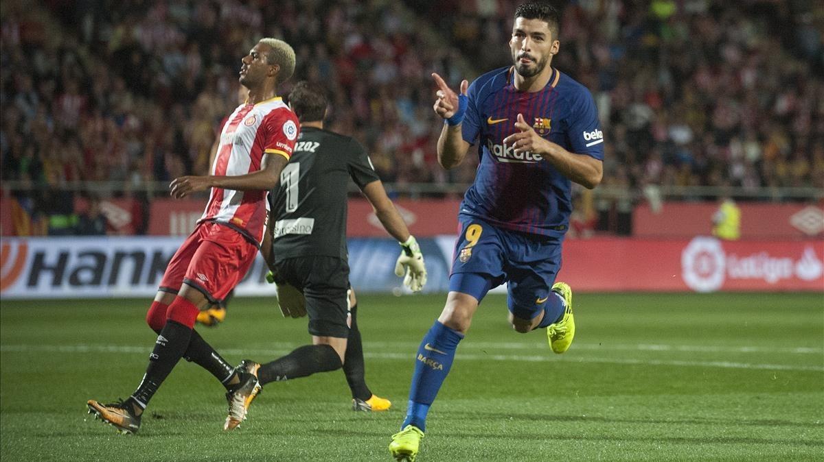 LuisSuárez celebra su gol, que suponía el 0-3.