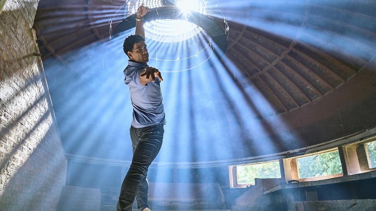 Fotograma de la película Yuli, protagonizada por Carlos Acosta que se interpreta a sí mismo.