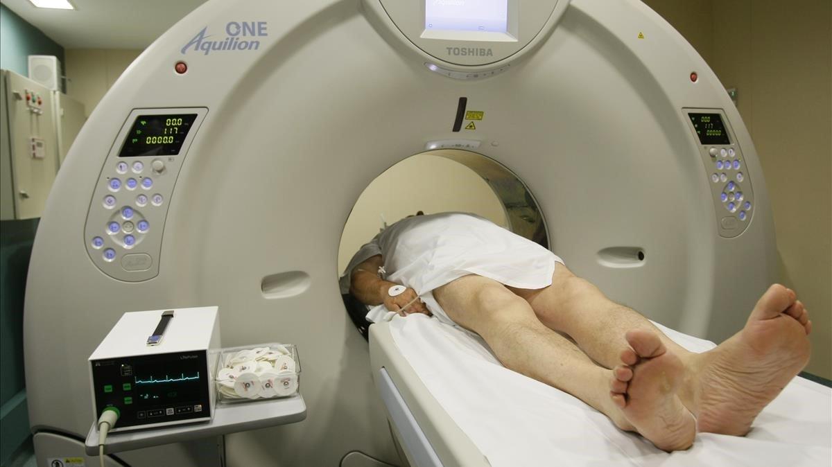 Tomografía computarizada de una paciente para conseguir un diagnóstico más acertado.