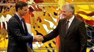 Pedro Sánchez y Miguel Díaz Canel firman el marco de consultas permanentes en el palacio presidencial de La Habana.